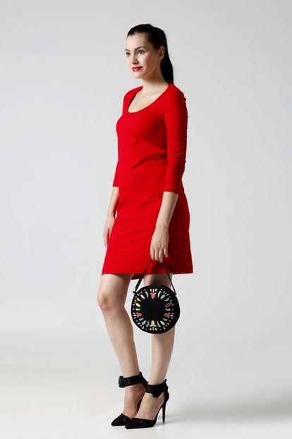 Červené šaty simple voľnejšie