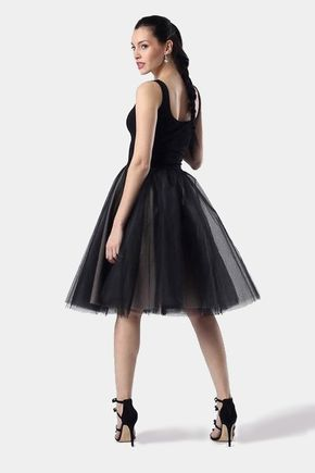Čierne s tylovou sukňou