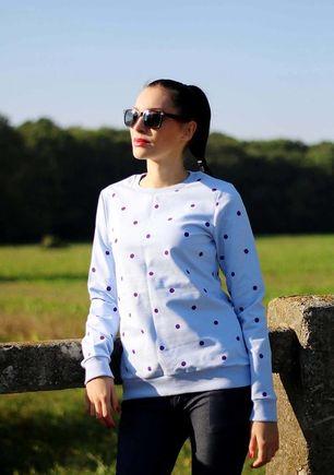 Mikina s bodkami bledo modrá
