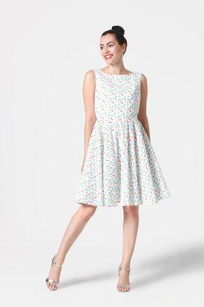 Šaty biele s farebnými pierkami