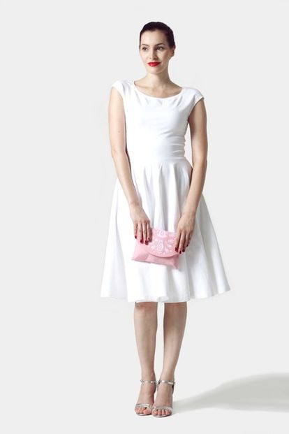 Šaty biele s kruhovou sukňou