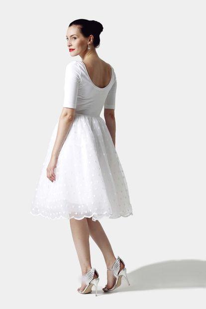 Šaty biele s tylovou sukňou