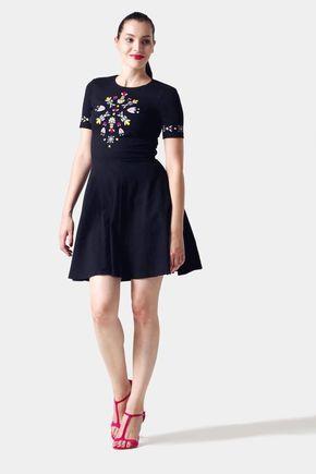 Šaty čierne s pestrofarebnou výšivkou