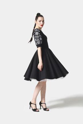 Šaty Joy Midi čierne vyšívané