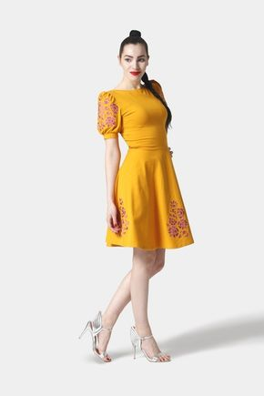 Šaty Joy Midi okrové vyšívané