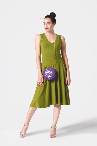 Šaty midi olivovo zelené bez rukávov