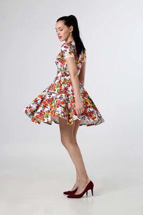 Šaty pestrofarebné s kruhovou sukňou
