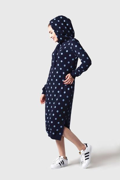 Teplákové šaty modré s bodkami