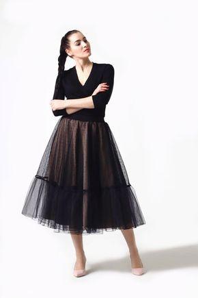 Tylová sukňa Midi s bodkami